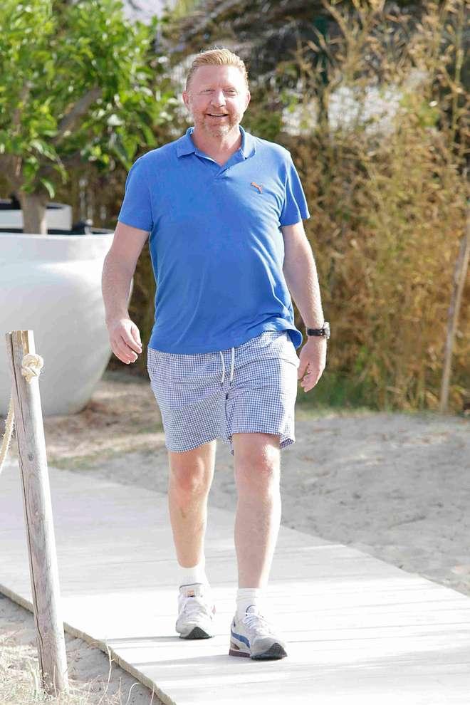 """Boris Becker """"appesantito"""": vacanze con la famiglia a Ibiza"""