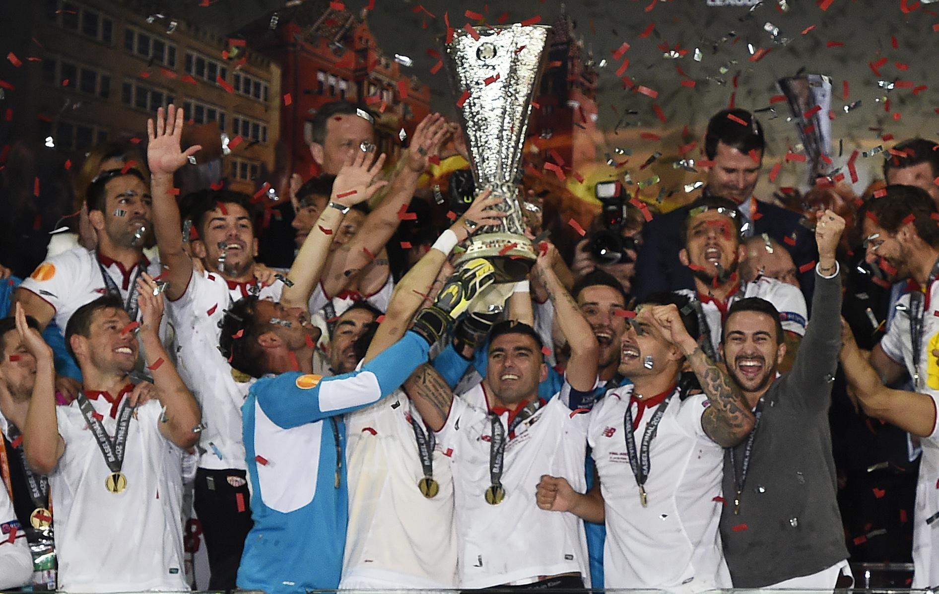 Il Siviglia nella storia, batte il Liverpool 3-1 e vince la terza Europa League di fila