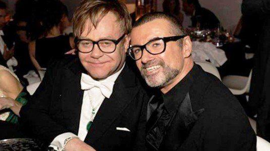 Elton John, lacrime in concerto per l?amico George Michael